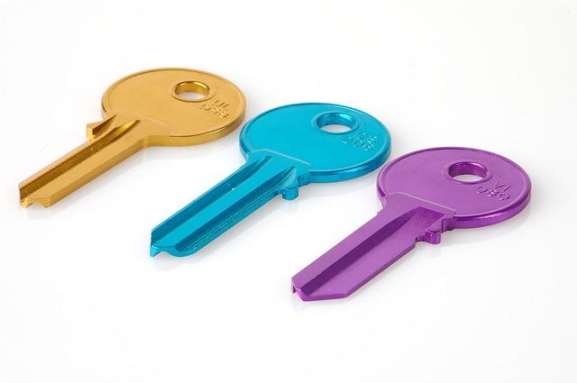 色づけされた3つの鍵