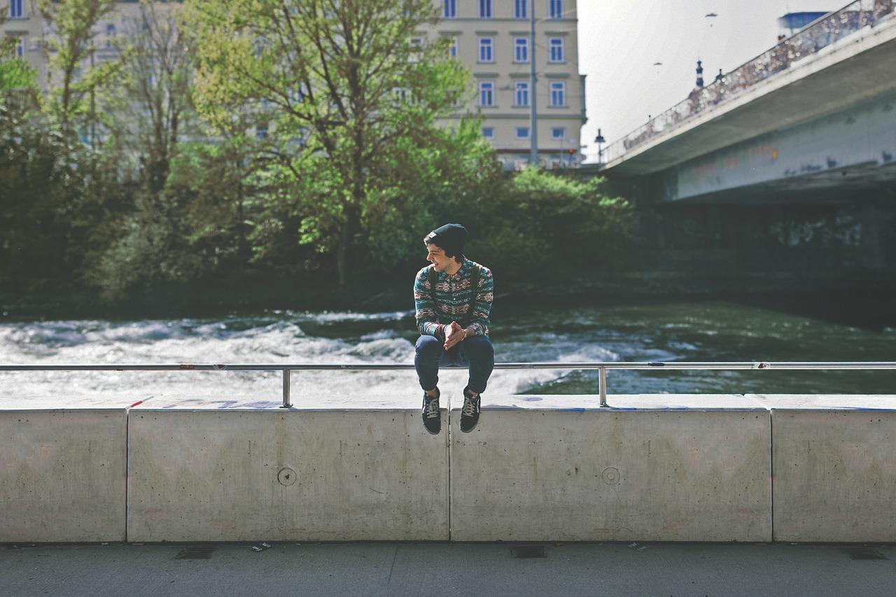 都会に住む若い男性
